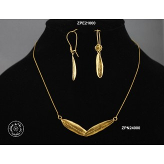 Gold plated earring (closed hook with flower)