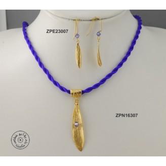 Gold plated earring with Swarovski Crystal (Purple Velvet  color)