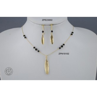 Gold plated Necklace chain with Swarovski (Jet  color)