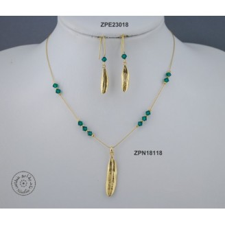 Gold plated Necklace chain with Swarovski (Emerald color)
