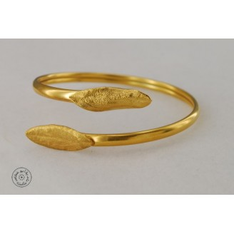 Gold plated bracelet with 2 olive leaves (4mm)