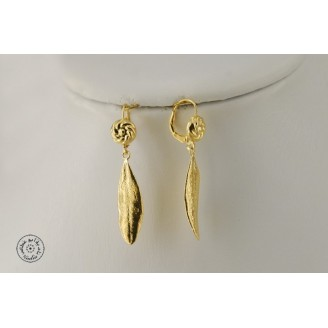 Gold plated earring (closed hook)