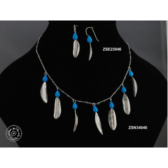 Sterling silver chain necklace -  7 Turquoise teardrop shaped bead and 7 medium size olive leaves