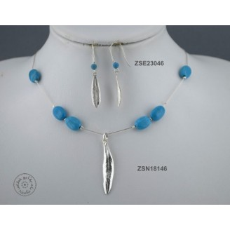 Sterling silver chain necklace with semi precious stone and 1 olive leaf (Turquoise bead)