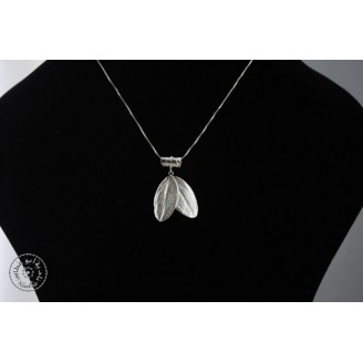 Sterling silver necklace with 2 olive leaves and rolled olive leaf hook (40cm chain)