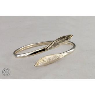 Sterling silver bracelet with 2 olive leaves (4mm)